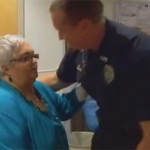 Police Officer saves Woman with CPR