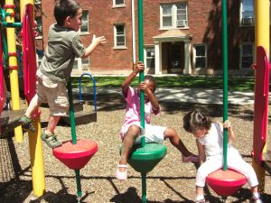 kids-at-play-1152328-m